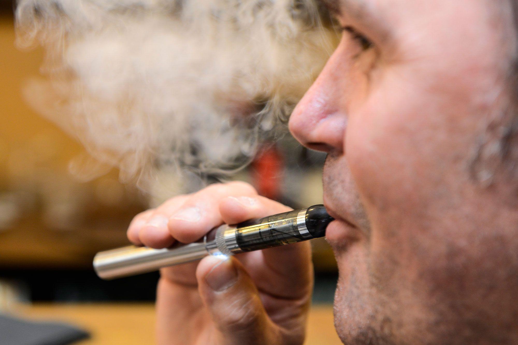 Cigarette électronique : quelle cigarette électronique choisir si on est débutants ?